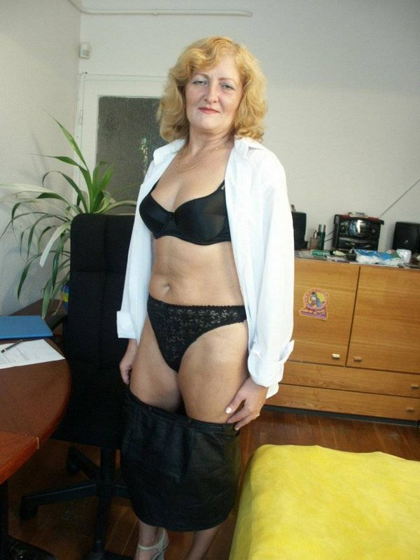 Mature women and grannies. Gallery - 374. Photo - 7
