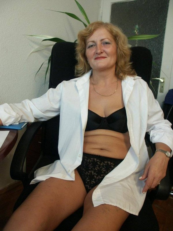 Mature women and grannies. Gallery - 374. Photo - 9