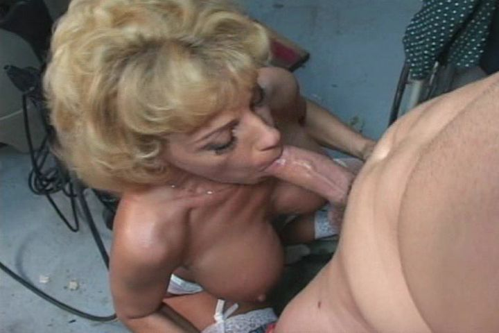 Mature women and grannies. Gallery - 375. Photo - 5