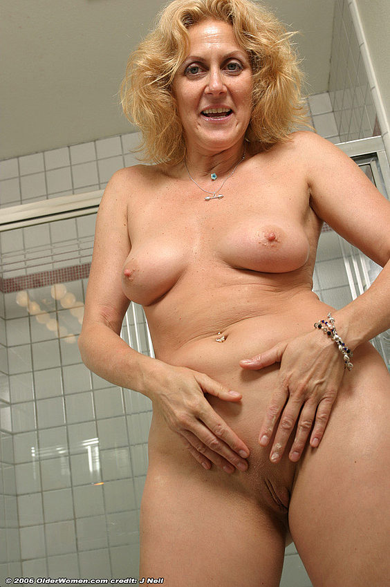 Mature women and grannies. Gallery - 376. Photo - 15