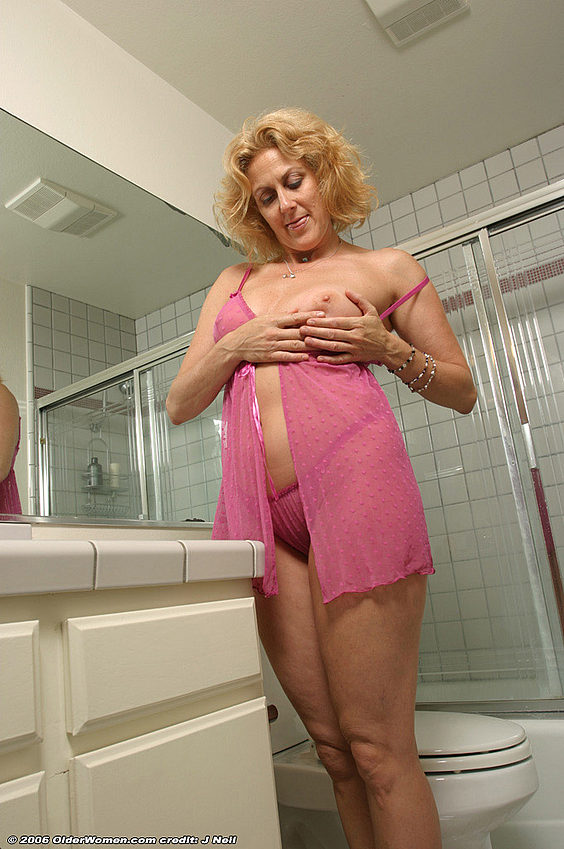 Mature women and grannies. Gallery - 376. Photo - 6