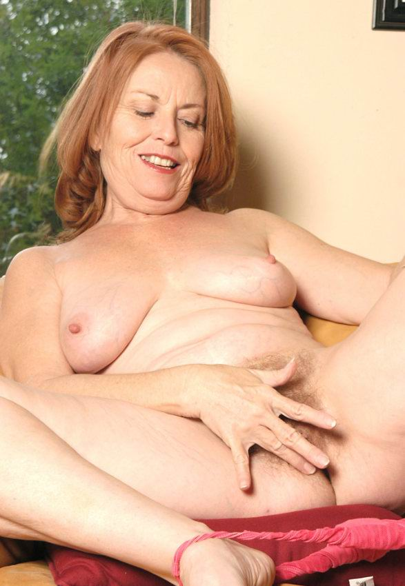 Mature women and grannies. Gallery - 378. Photo - 11