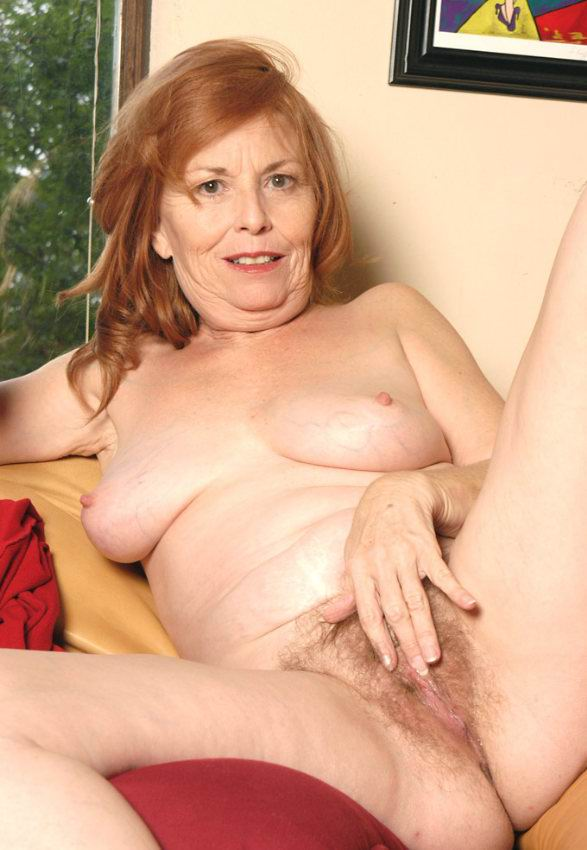 Mature women and grannies. Gallery - 378. Photo - 14