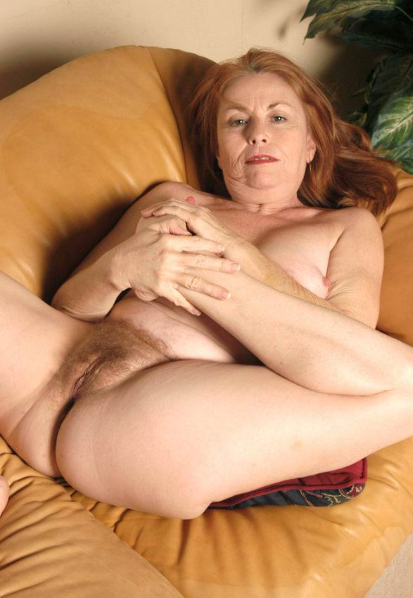 Mature women and grannies. Gallery - 378. Photo - 17