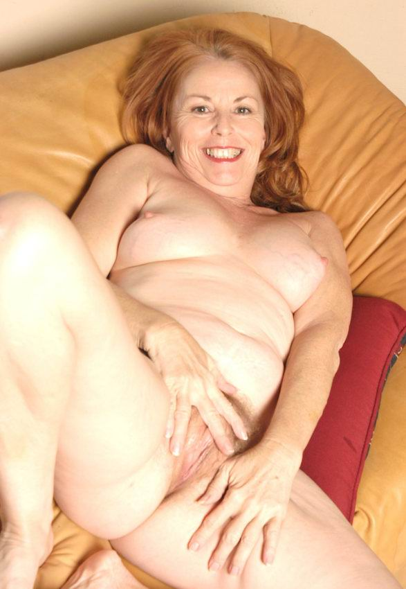 Mature women and grannies. Gallery - 378. Photo - 18
