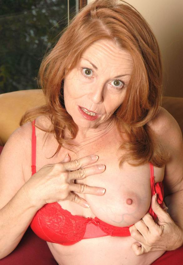 Mature women and grannies. Gallery - 378. Photo - 3