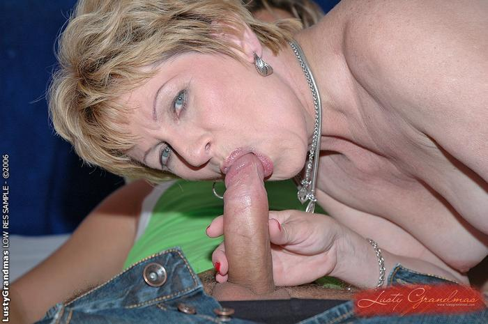 Mature women and grannies. Gallery - 379. Photo - 10