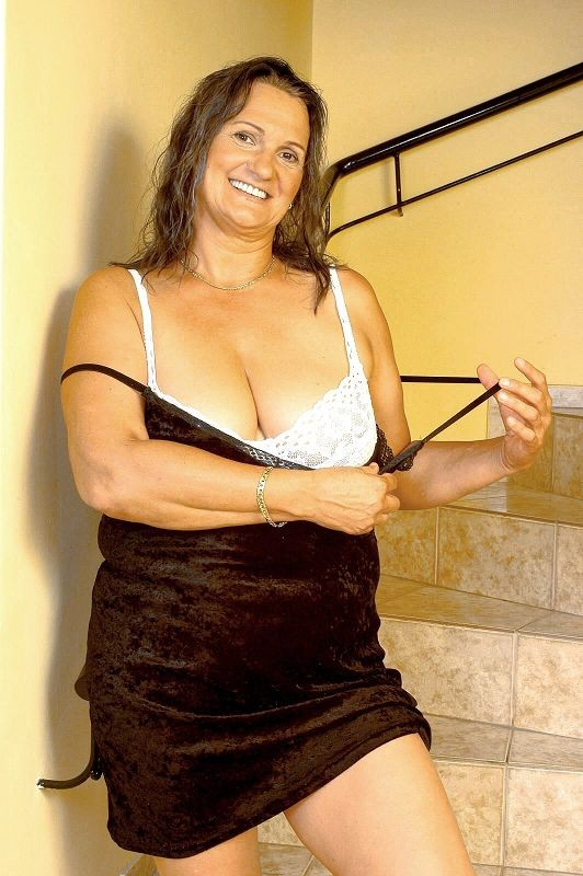 Mature women and grannies. Gallery - 381. Photo - 4