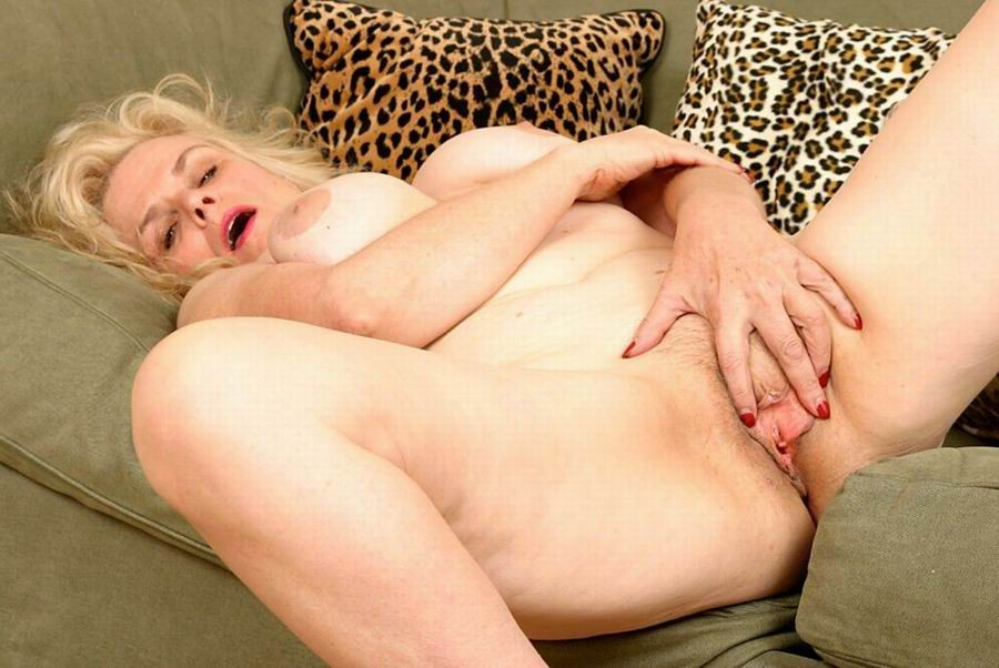 Mature women and grannies. Gallery - 382. Photo - 4