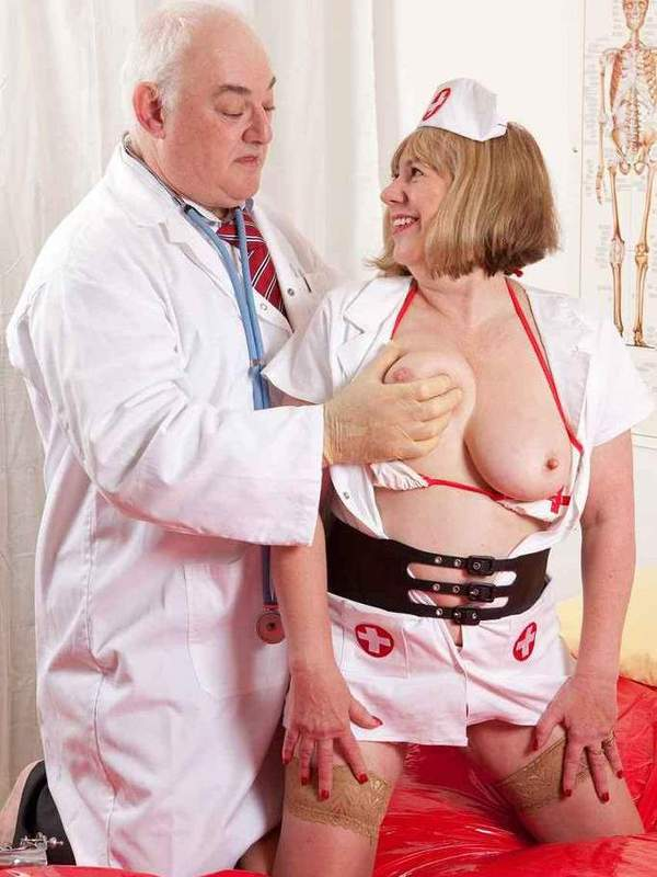 Mature women and grannies. Gallery - 391. Photo - 2