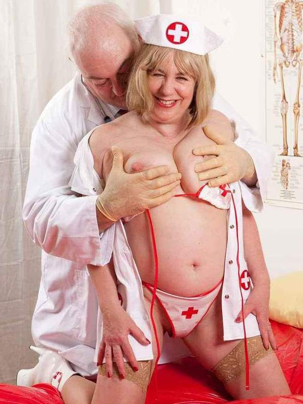 Mature women and grannies. Gallery - 391. Photo - 3