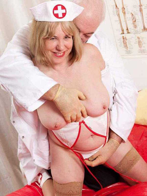 Mature women and grannies. Gallery - 391. Photo - 4
