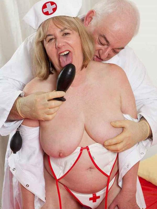 Mature women and grannies. Gallery - 391. Photo - 6