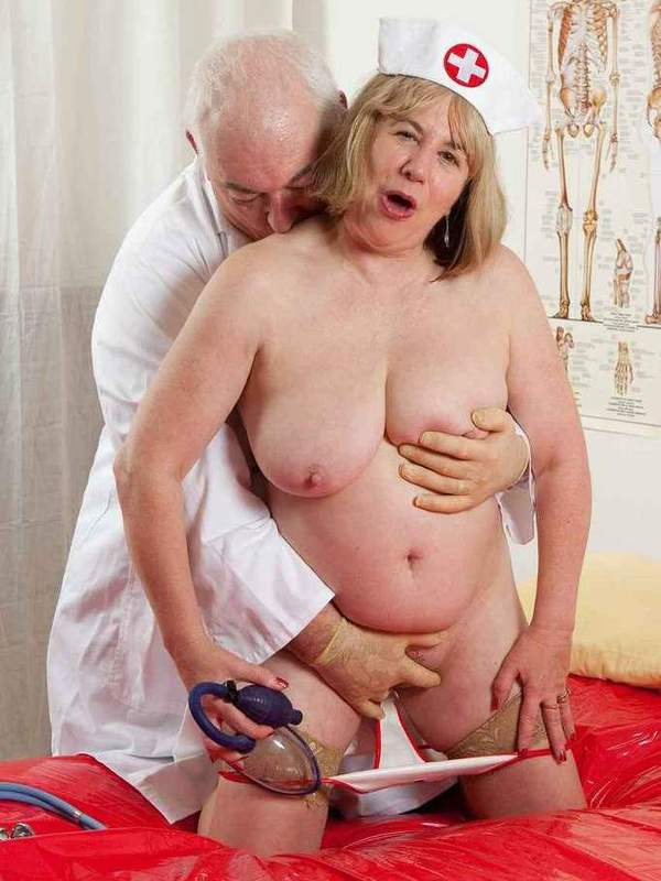 Mature women and grannies. Gallery - 391. Photo - 8