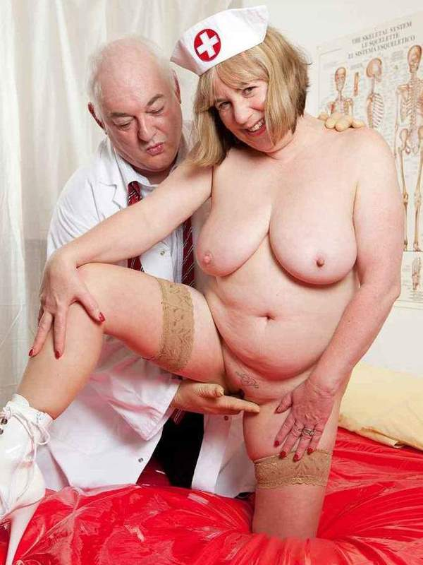 Mature women and grannies. Gallery - 391. Photo - 9