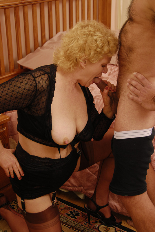 Mature women and grannies. Gallery - 392. Photo - 5