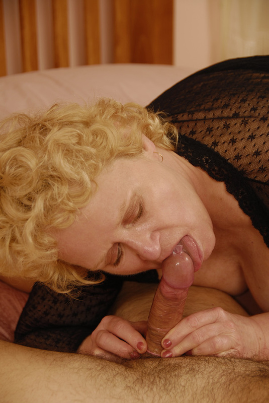 Mature women and grannies. Gallery - 392. Photo - 8
