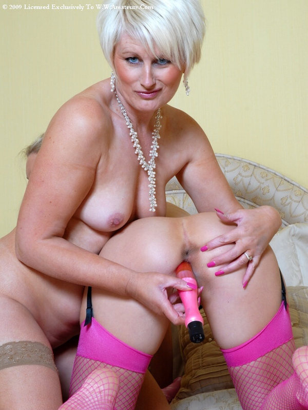 Mature women and grannies. Gallery - 394. Photo - 17