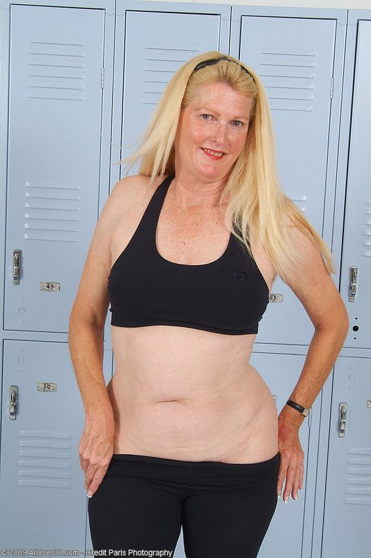 Mature women and grannies. Gallery - 395. Photo - 7