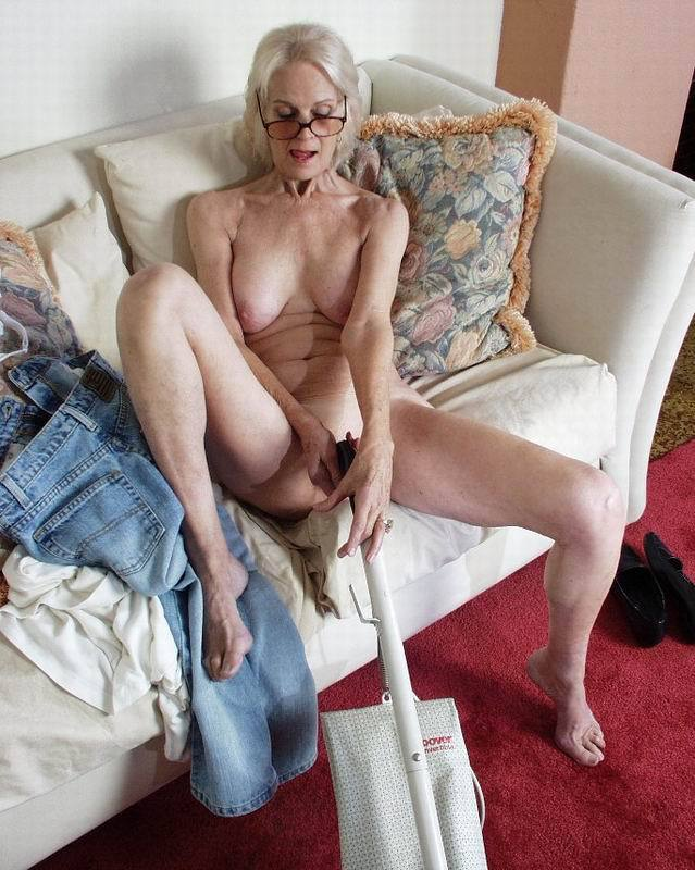 Mature women and grannies. Gallery - 396. Photo - 13