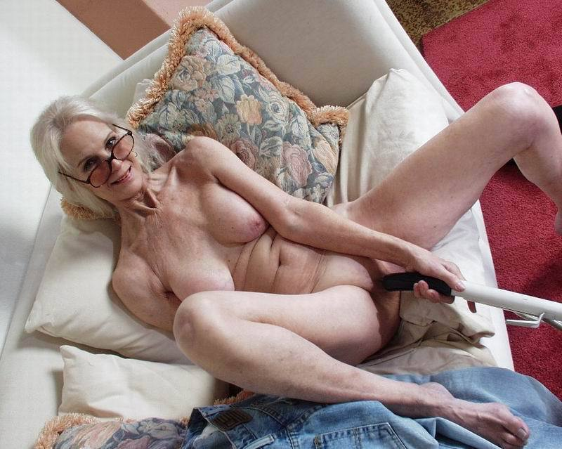 Mature women and grannies. Gallery - 396. Photo - 14
