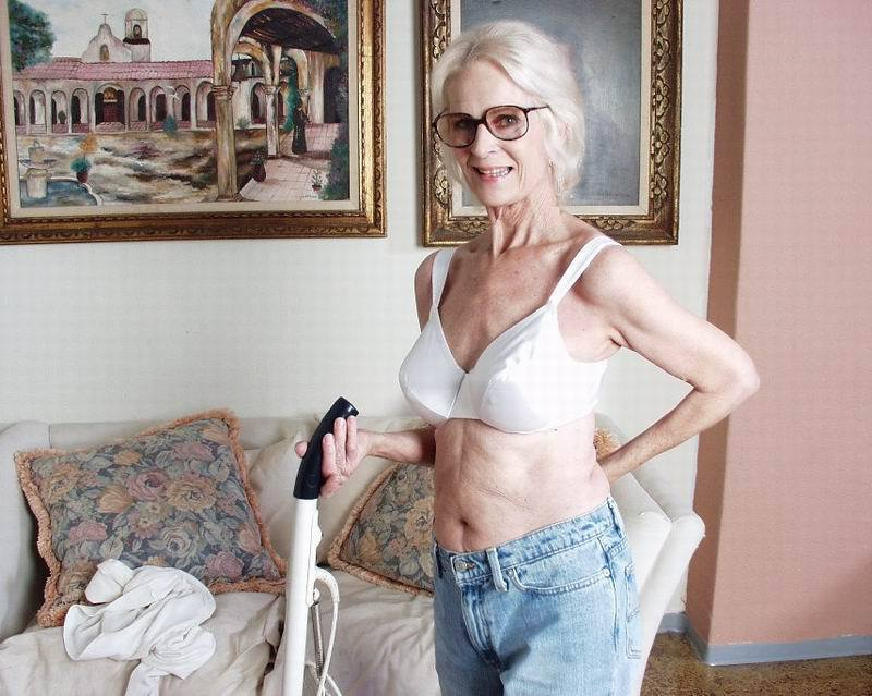 Mature women and grannies. Gallery - 396. Photo - 2