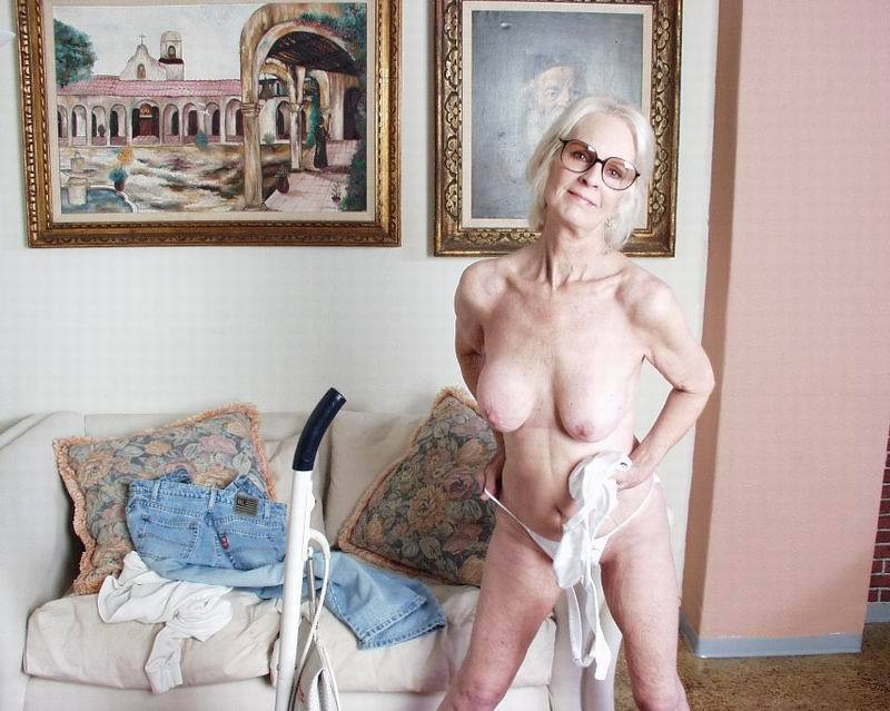 Mature women and grannies. Gallery - 396. Photo - 6