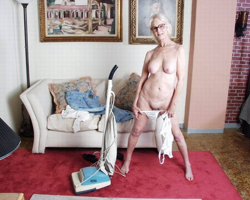 Mature women and grannies. Gallery - 396. Photo - 7