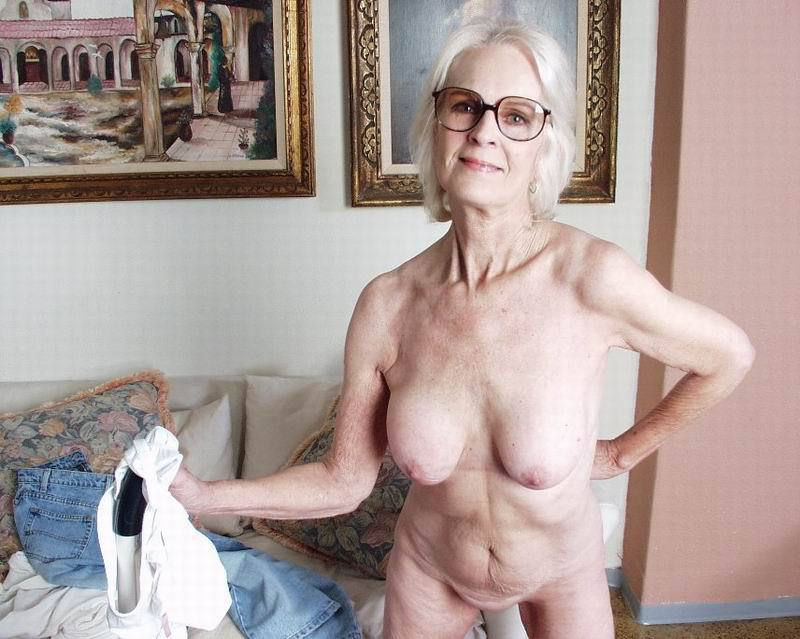 Mature women and grannies. Gallery - 396. Photo - 8