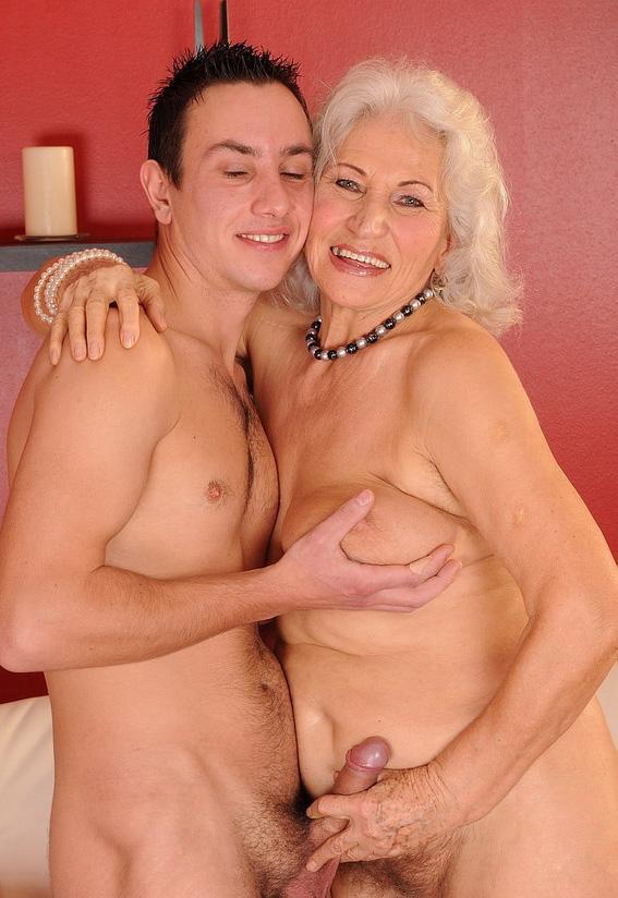 Секс Бабушек С Молодыми