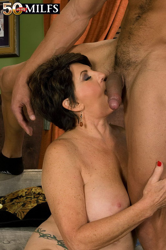 Mature women and grannies. Gallery - 402. Photo - 10