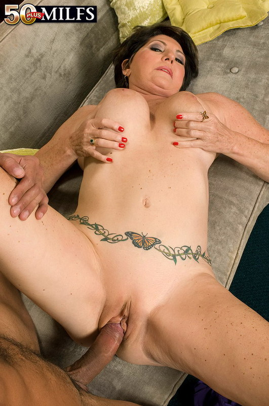 Mature women and grannies. Gallery - 402. Photo - 11