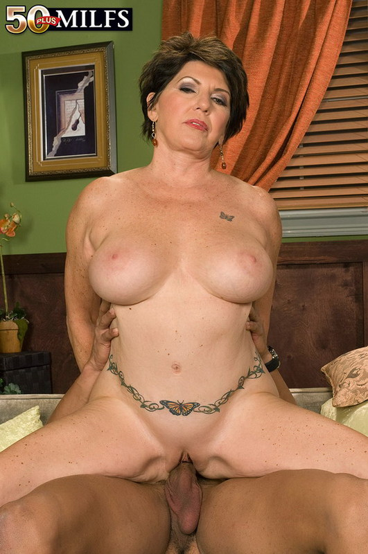 Mature women and grannies. Gallery - 402. Photo - 12