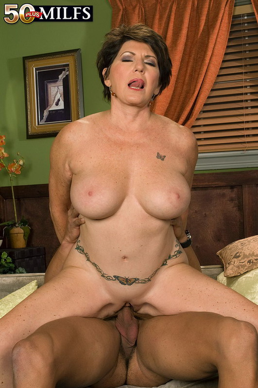 Mature women and grannies. Gallery - 402. Photo - 13