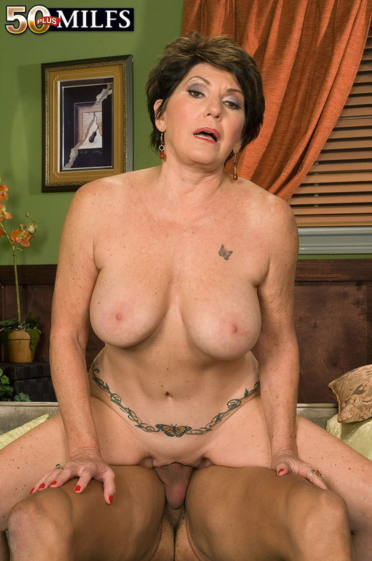 Mature women and grannies. Gallery - 402. Photo - 16
