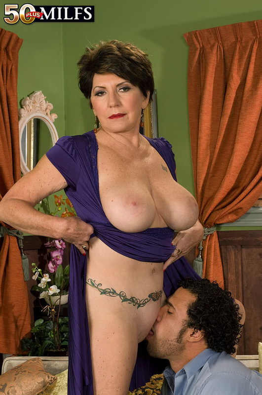 Mature women and grannies. Gallery - 402. Photo - 4