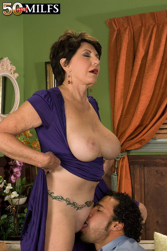 Mature women and grannies. Gallery - 402. Photo - 5