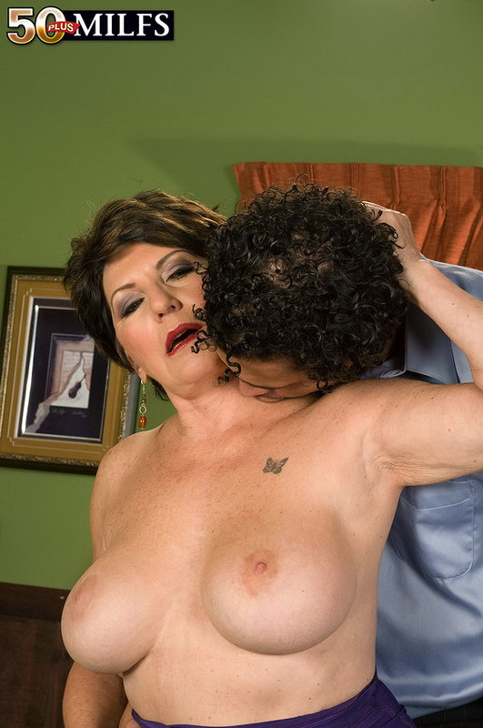 Mature women and grannies. Gallery - 402. Photo - 6