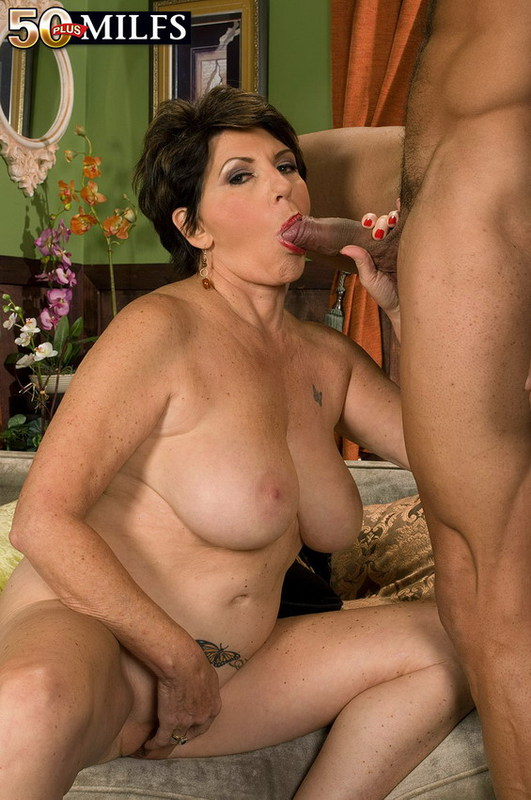 Mature women and grannies. Gallery - 402. Photo - 8