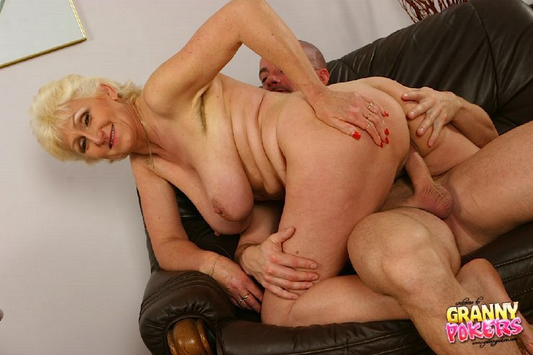 Mature women and grannies. Gallery - 408. Photo - 7
