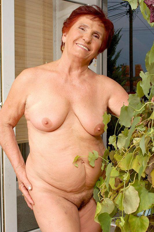 Mature women and grannies. Gallery - 409. Photo - 13