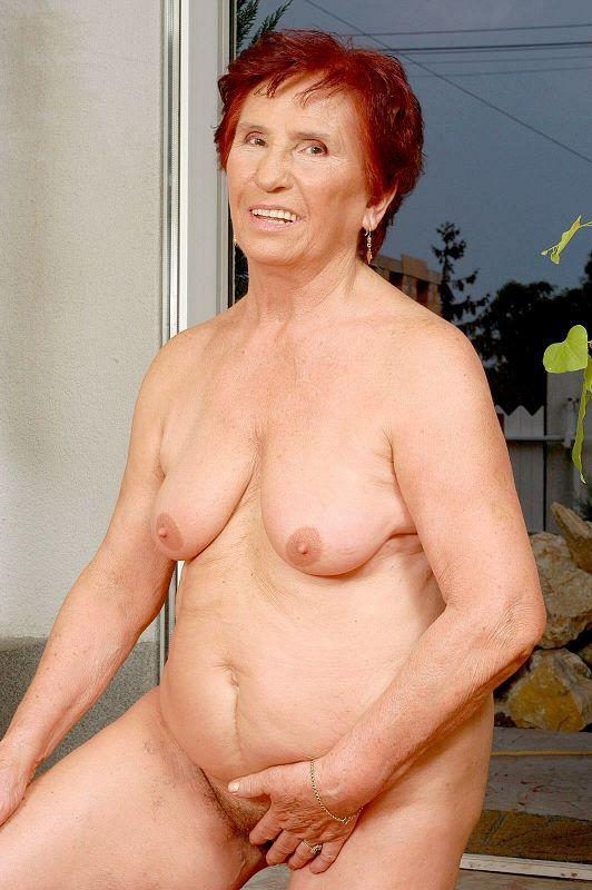 Mature women and grannies. Gallery - 409. Photo - 14