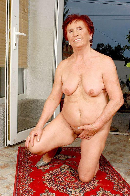 Mature women and grannies. Gallery - 409. Photo - 15
