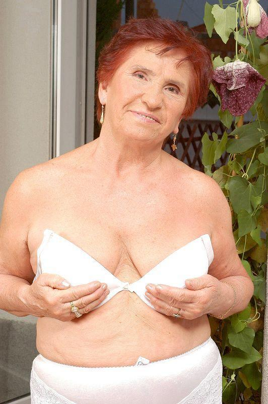 Mature women and grannies. Gallery - 409. Photo - 5