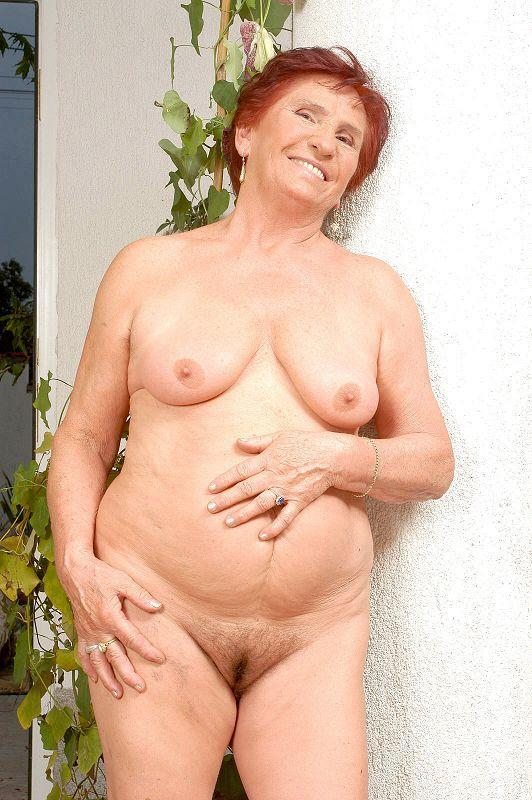 Mature women and grannies. Gallery - 409. Photo - 8