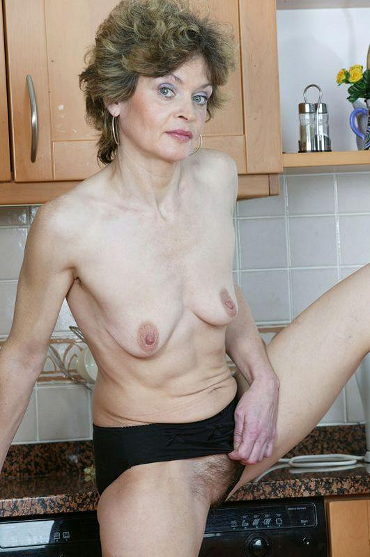 Mature women and grannies. Gallery - 410. Photo - 9