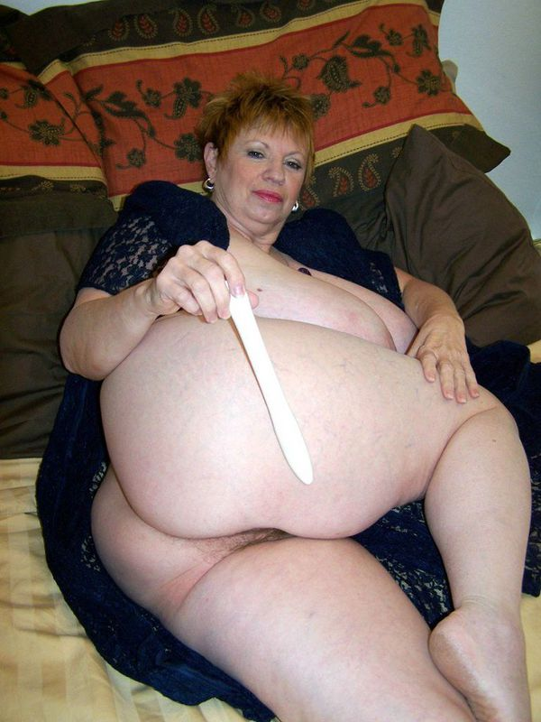 Mature women and grannies. Gallery - 412. Photo - 11