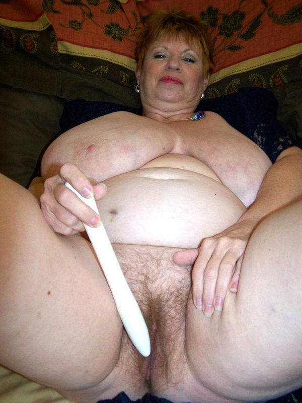 Mature women and grannies. Gallery - 412. Photo - 13