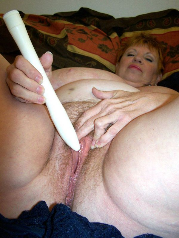 Mature women and grannies. Gallery - 412. Photo - 16