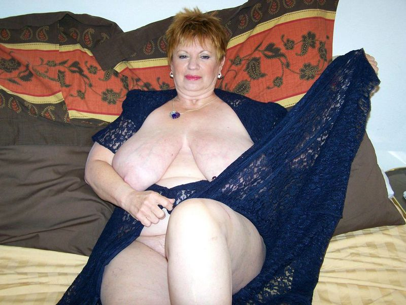 Mature women and grannies. Gallery - 412. Photo - 6